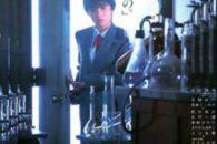 Dal genio di Obayashi Nobuhiko un film sull'adolescenza e sui salti nel tempo. Agrodolce e toccante. Imperdibile.